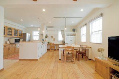 Ideal Home/株式会社ウエストビルド_あいでぃーるほーむうえすとびるど_リビング_323