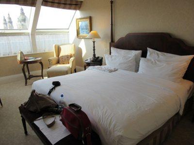 bedroom-460762_960_720