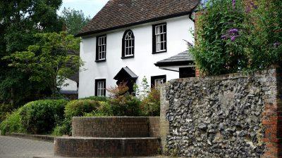 cottage-1522518_1920