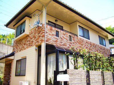 クリヤー塗装の戸建住宅